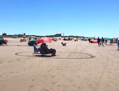 Necochea: con círculos en la arena mantienen el distanciamiento social en las playas