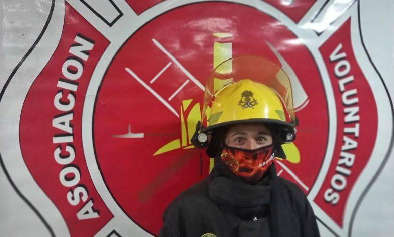 "Photo of Daiana Ramirez, la primer bombera de Claromecó: ""Cada día que pasa me gusta más"""